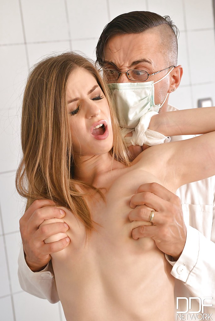 Dentist fucks his bald patient-724