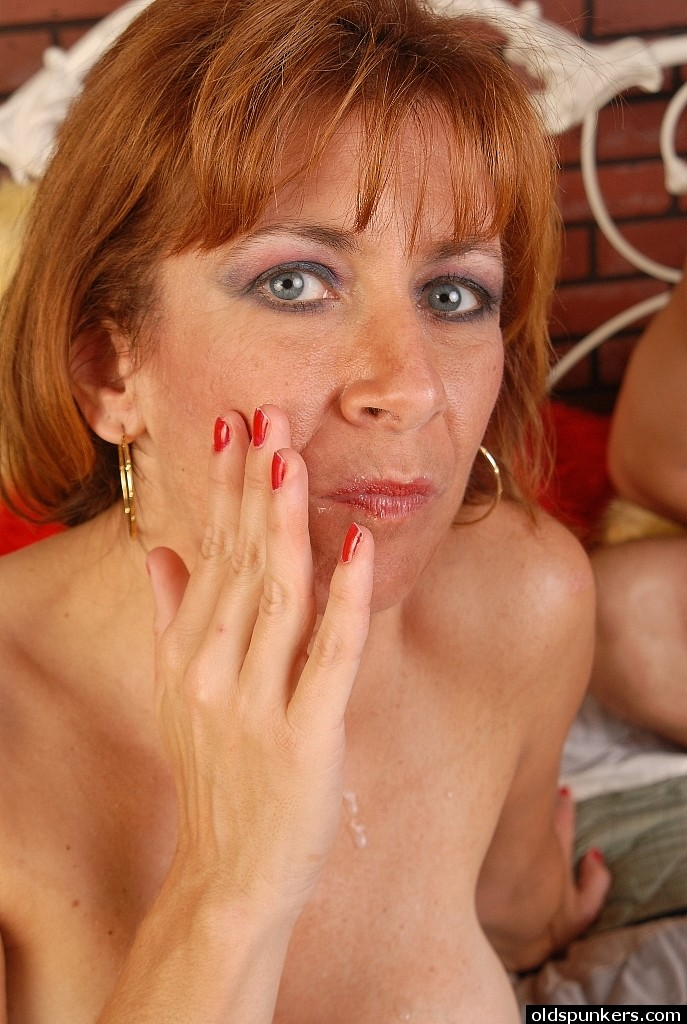 Redhead licked out