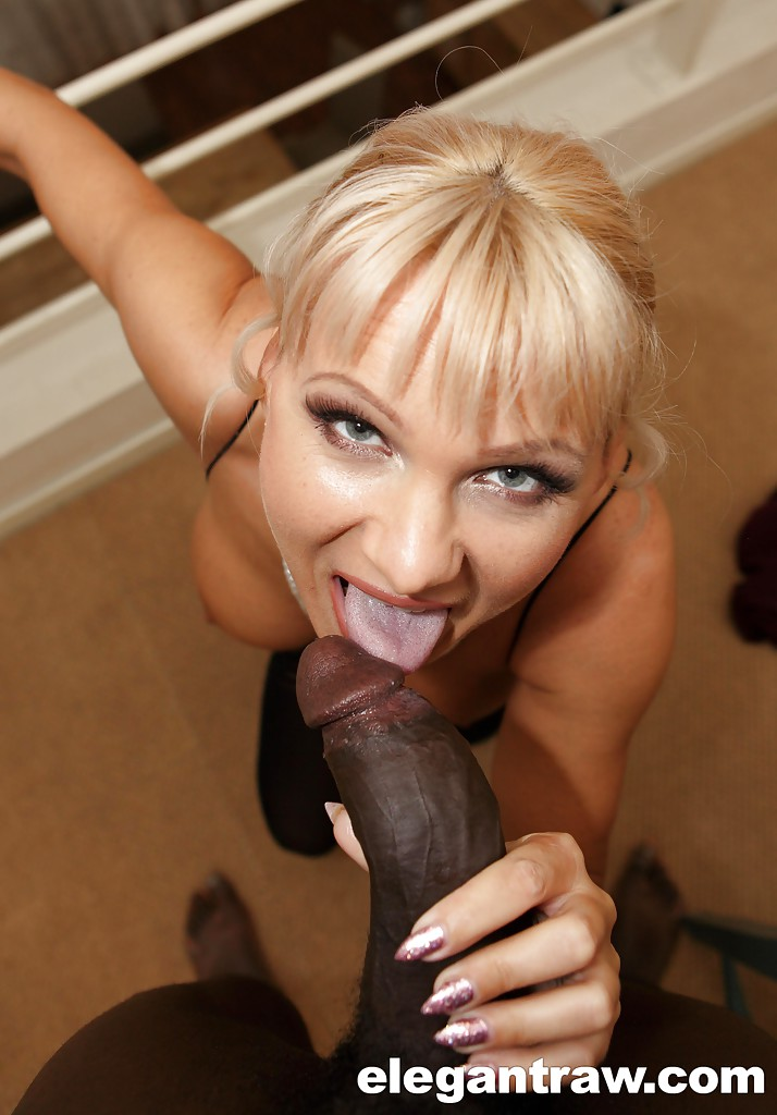 Mature black and blonde pornstar