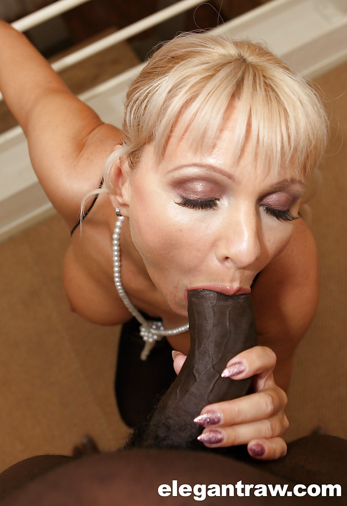 Do girls like to lick balls