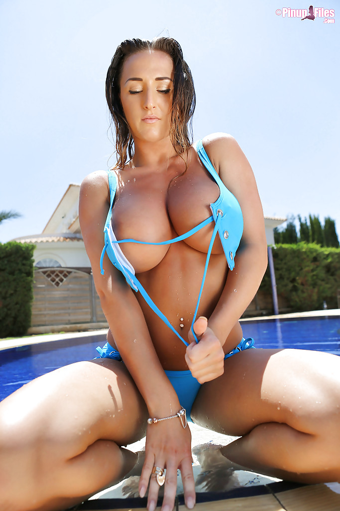 Big buxom bikini models photos