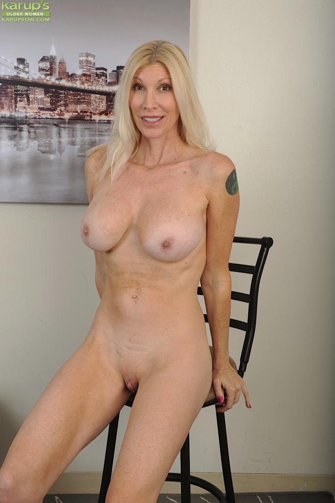 Naked blonde older women