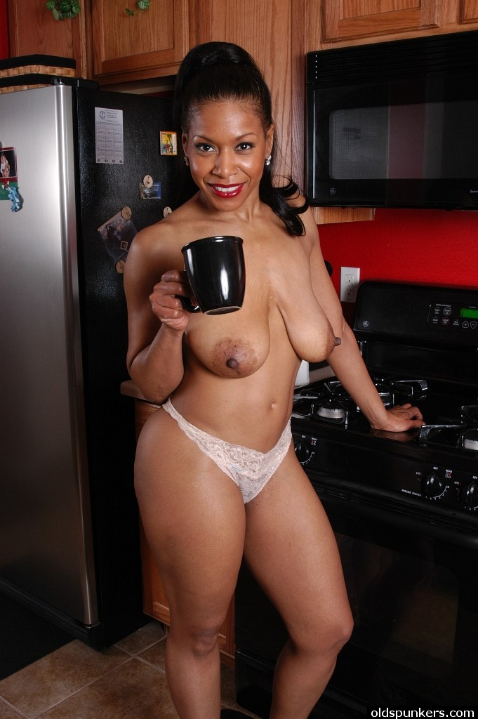 naked black women in kitchen