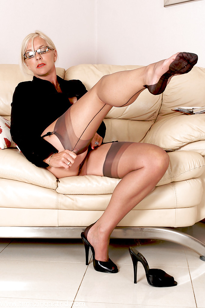 Think, that Mature women pantyhose upskirt thanks