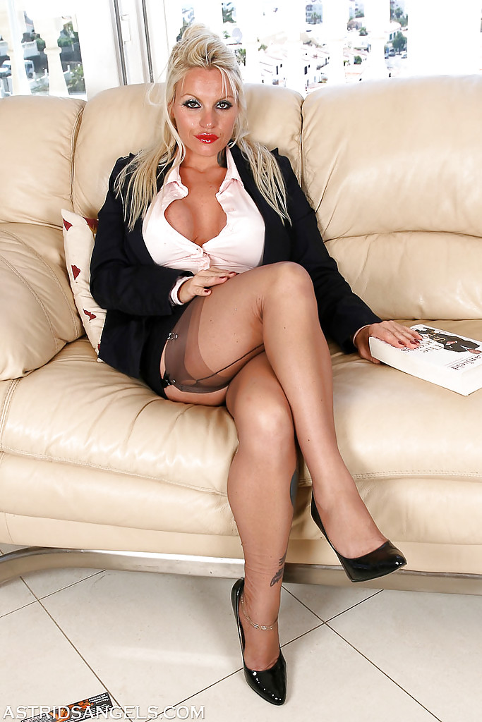 heels tits blonde high Mature big