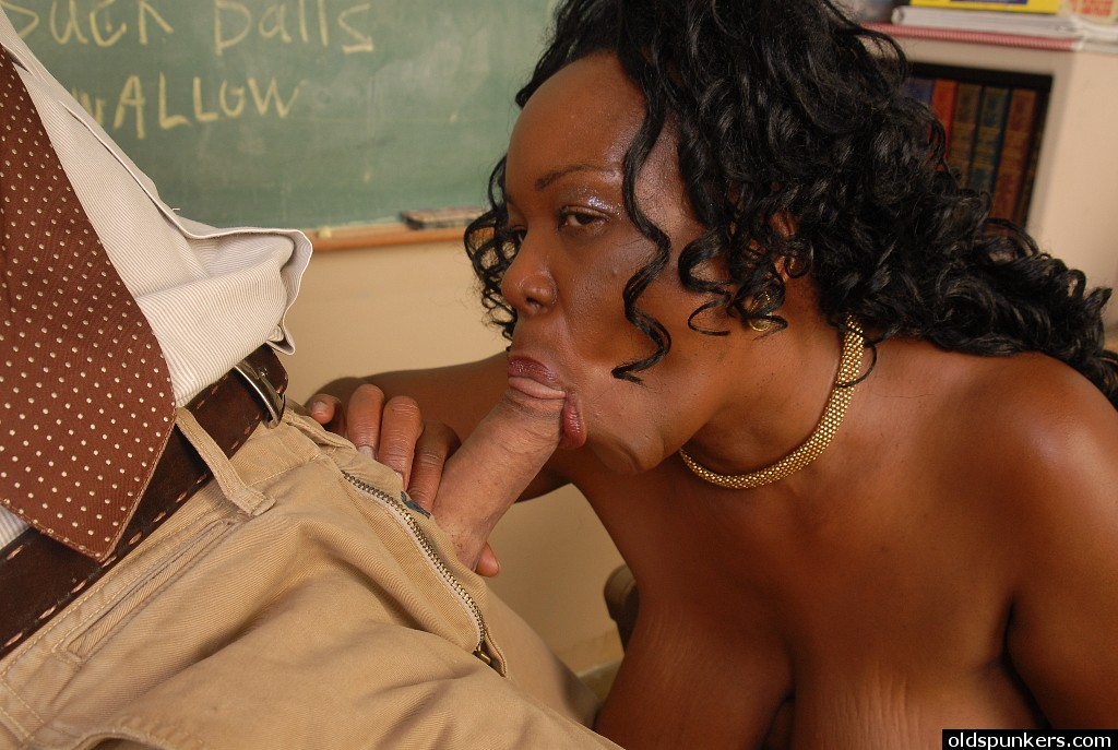 Black Girl Sucking Dick Sloppy