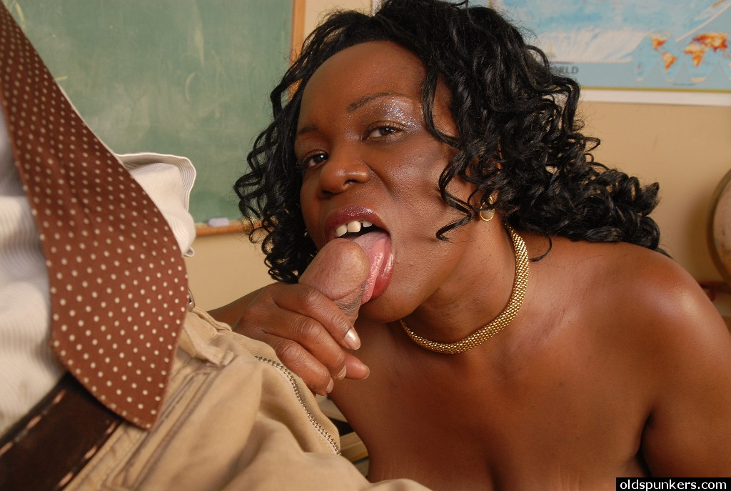 Ebony Sucking Dick Work