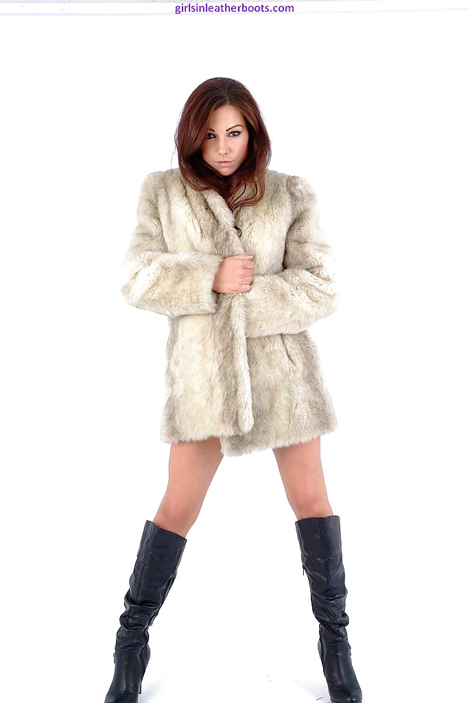 Have Nude girls with fur boots