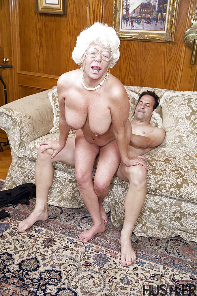 musicvideo-nude-awesome-granny-blowing-fat-cock-sex-image