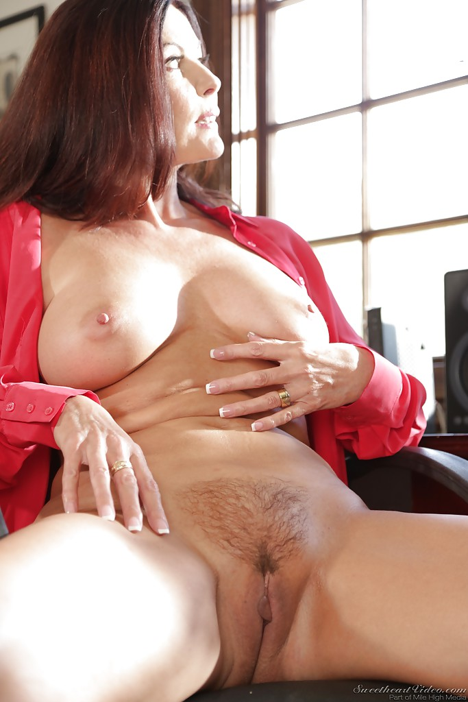 Hairy mature boss with two salaried 7