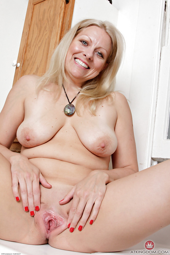 image Blonde milf zoey tyler gets naughty for the camera