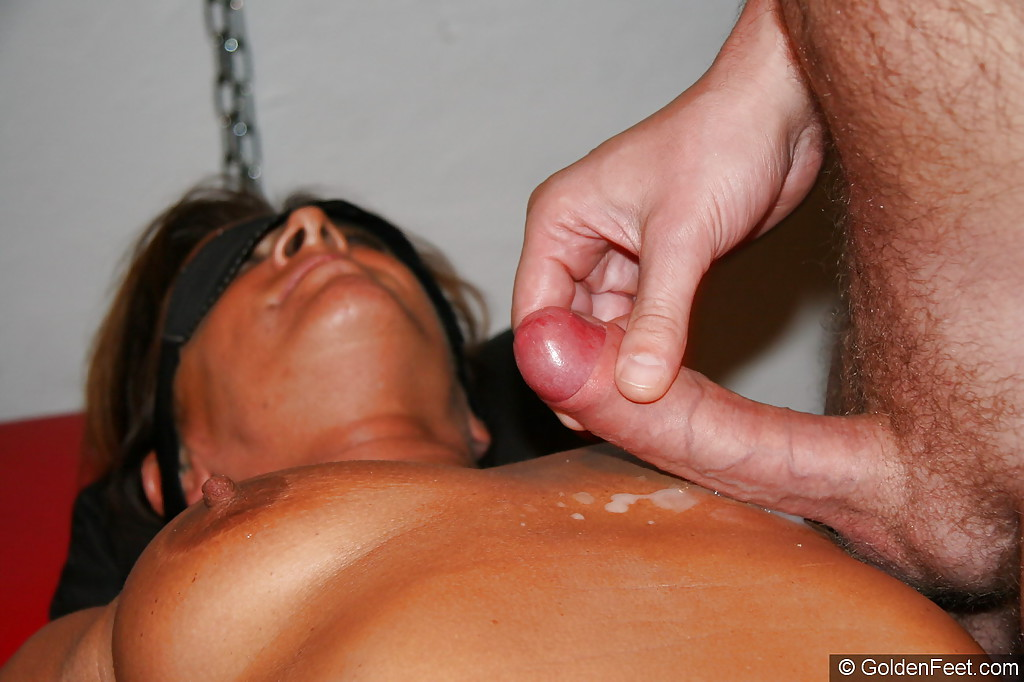 blindfolded mature woman lady sarah having nipple clamps