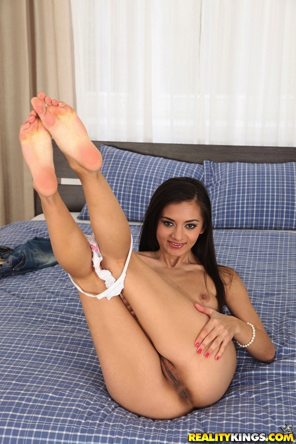What Amateur exotic petite pussy