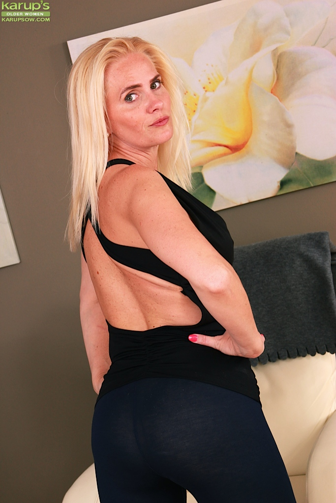 Milf tits pulled 11