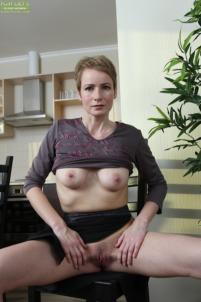 Sample mature anal pleasures european