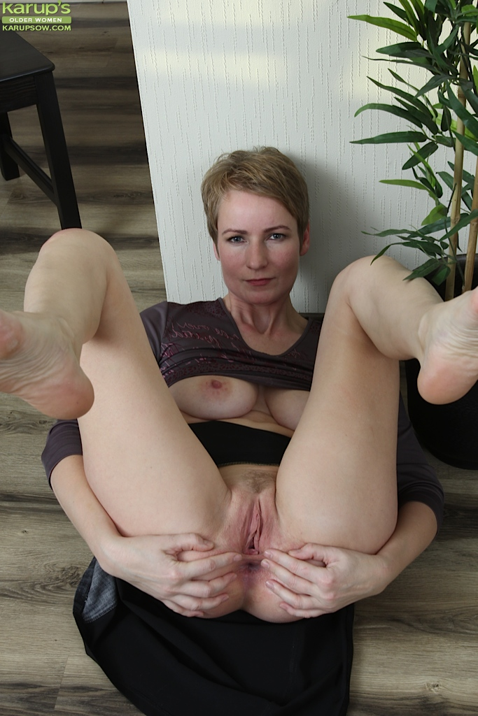 50 yr old mom does anal