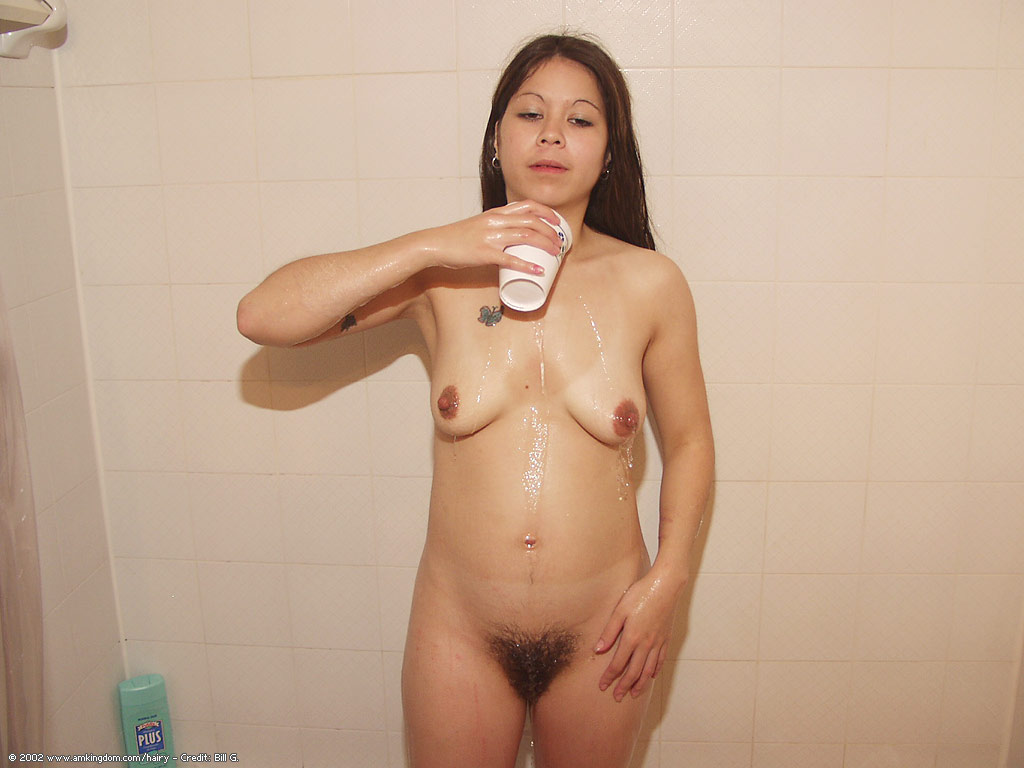 latin milf bathtub