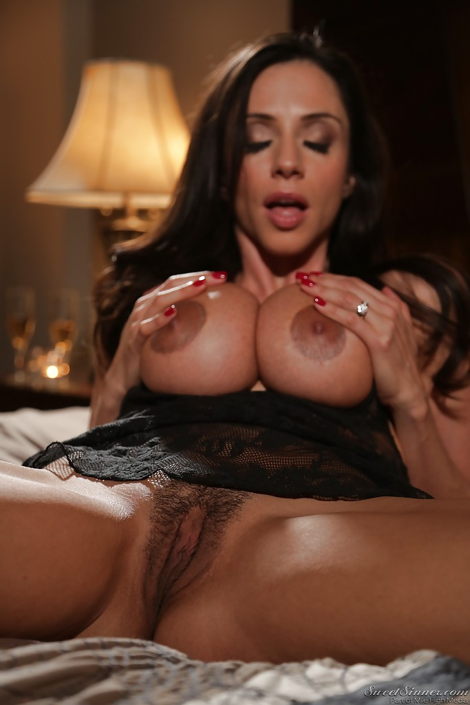 Ariella ferrera seduced by a cougar