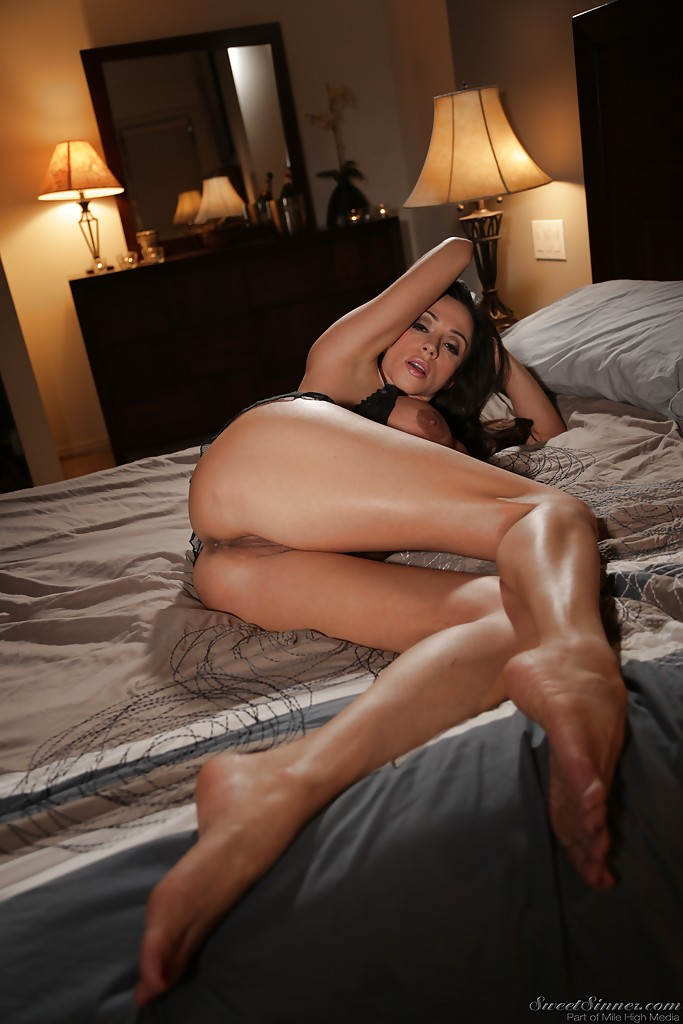 Homemade wife naked embarrassed