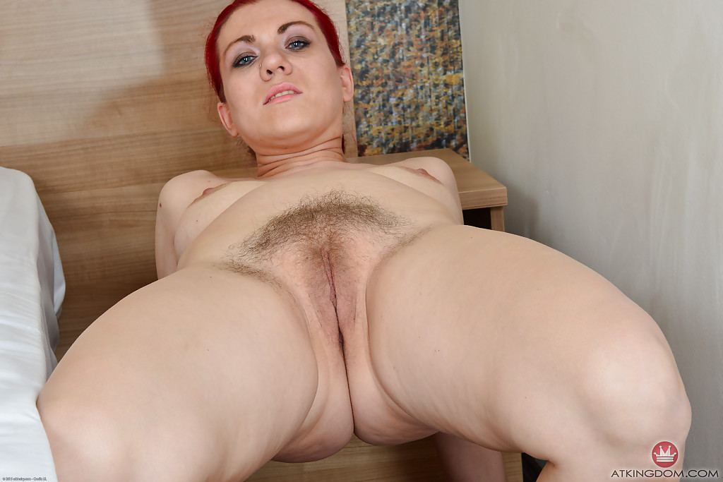 nude redhead mature woman
