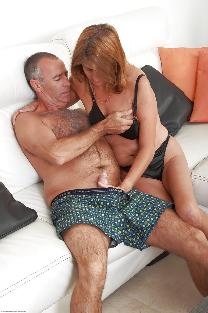 Bending my milf wife