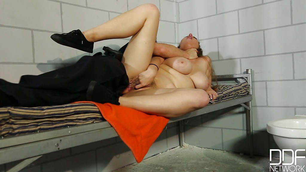 porn-pics-for-a-cell-naked-girls-from-colledge