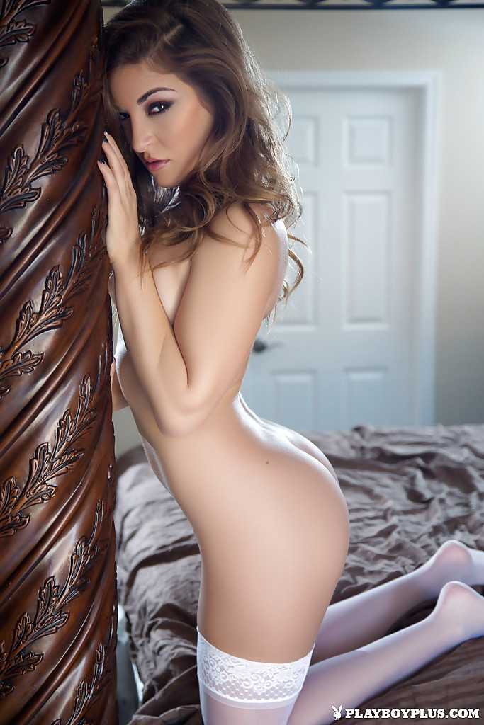Sexy Teen Babe Samy Jordan Striking Hot Centerfold Poses For Playboy