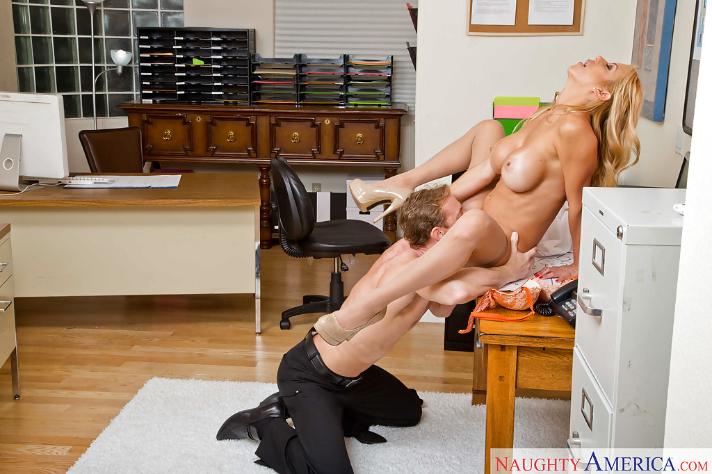 Alexis Fawx Mom Threesome