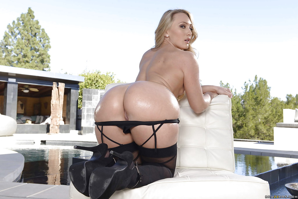 Hot blonde AJ Applegate and her round ass model outdoors in lingerie