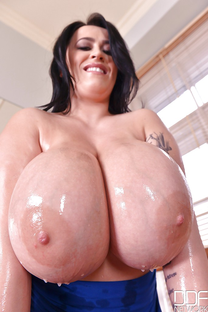 naked oiled big tits