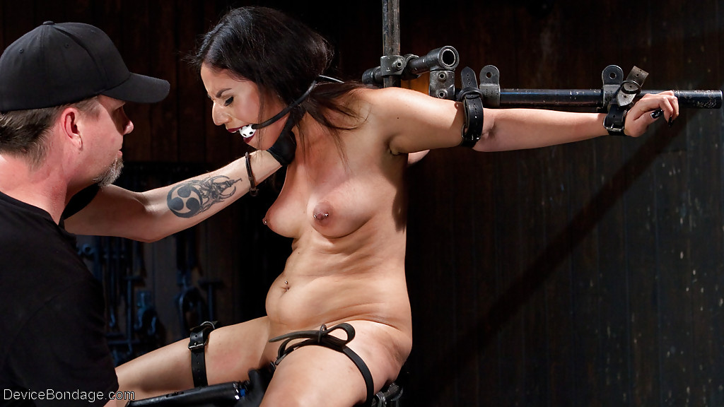 Indian Porn Actress Bondage - ... Naughty Indian BDSM model Darling Deicide undergoes box over head  training ...