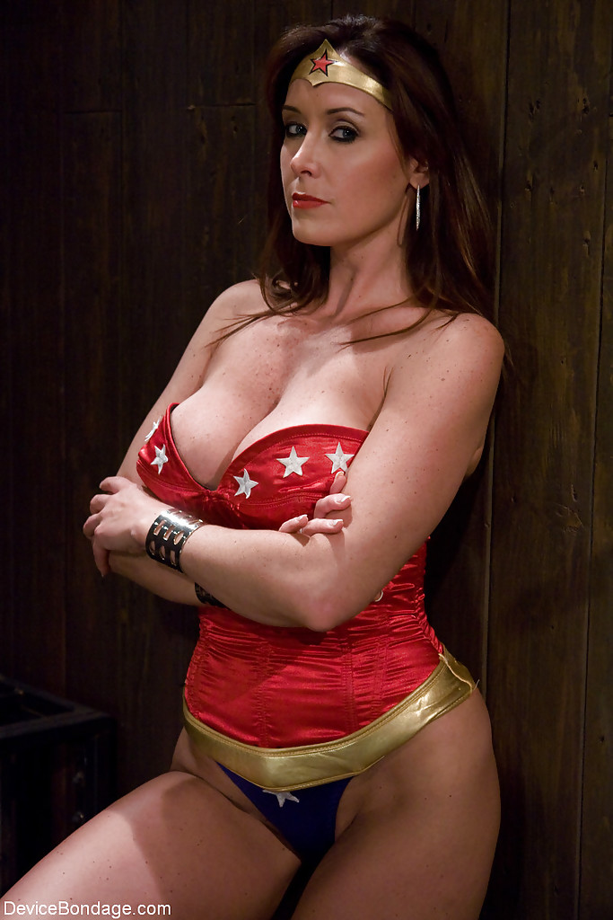 bondage cosplay Wonder woman