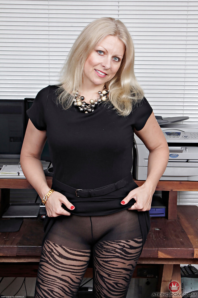 Sexy german women aged 50 and over showing fanny