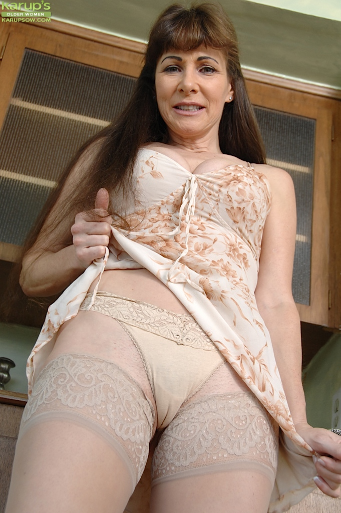 mature-mothers-galleries-adult-streaming-nude-scenes