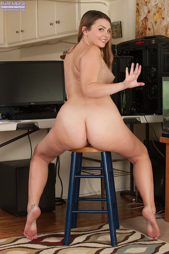 curvy naked ass fat