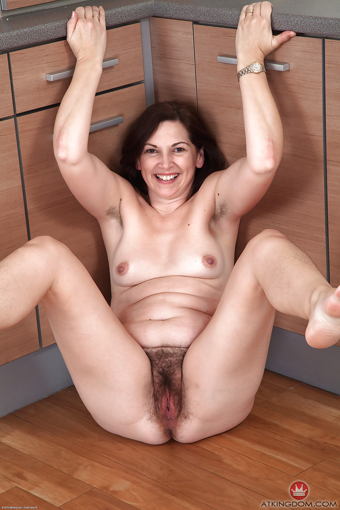 Hairy Pussy Porn and Mature Women Galleries at Hairy MILF Pics.com