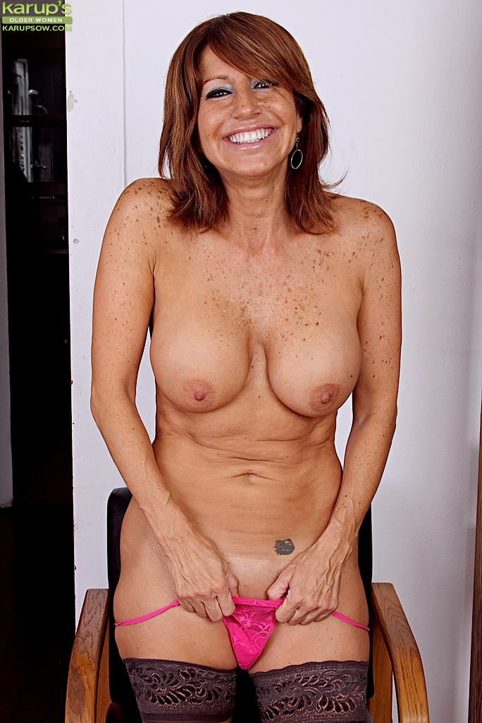 Free mature natural tits