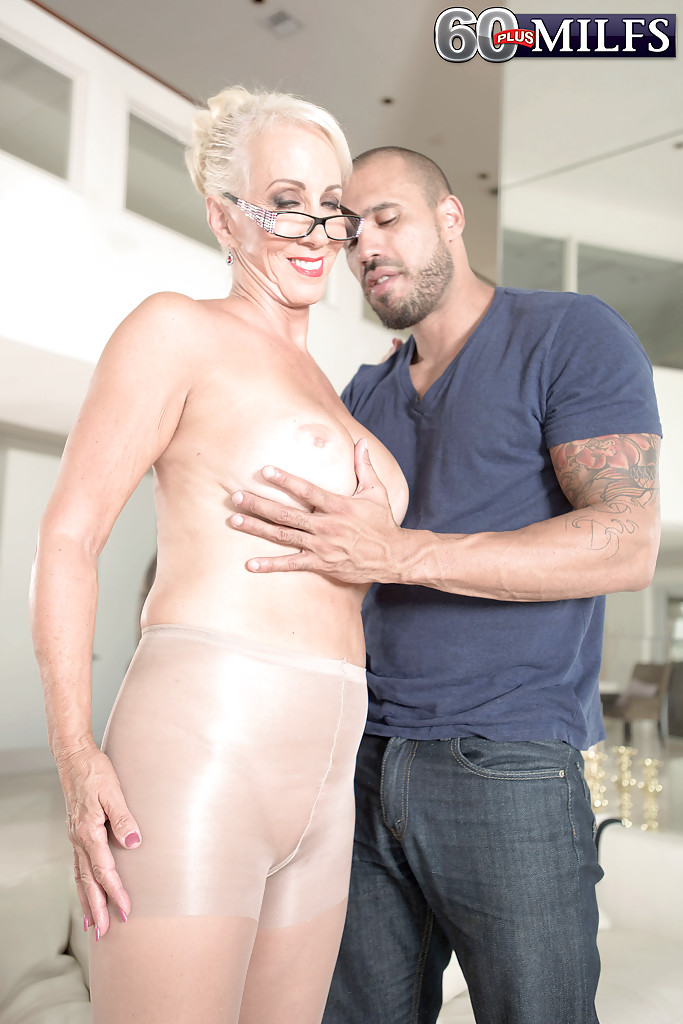 granny-facial-sex-black-bubble-butt-xxx