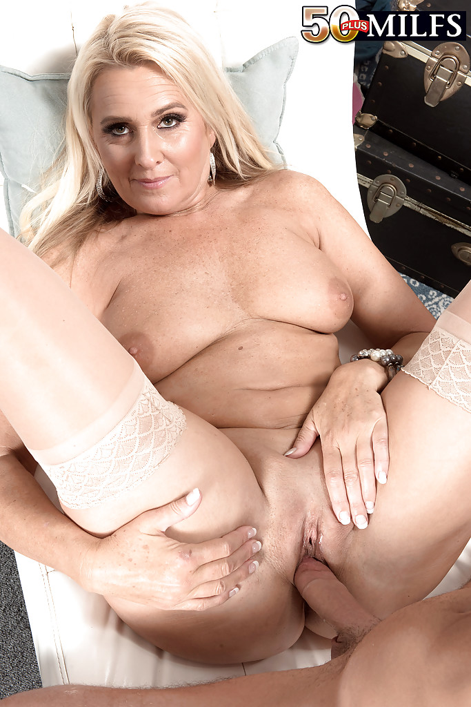 Mature riding black cock