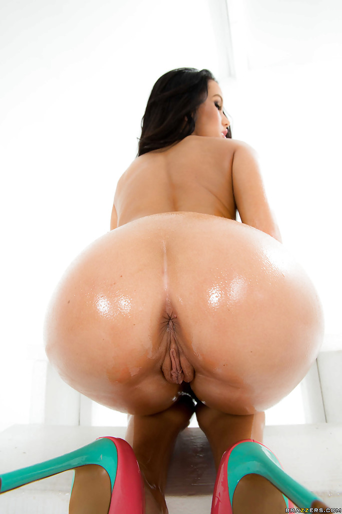 Oiled Teen Ass