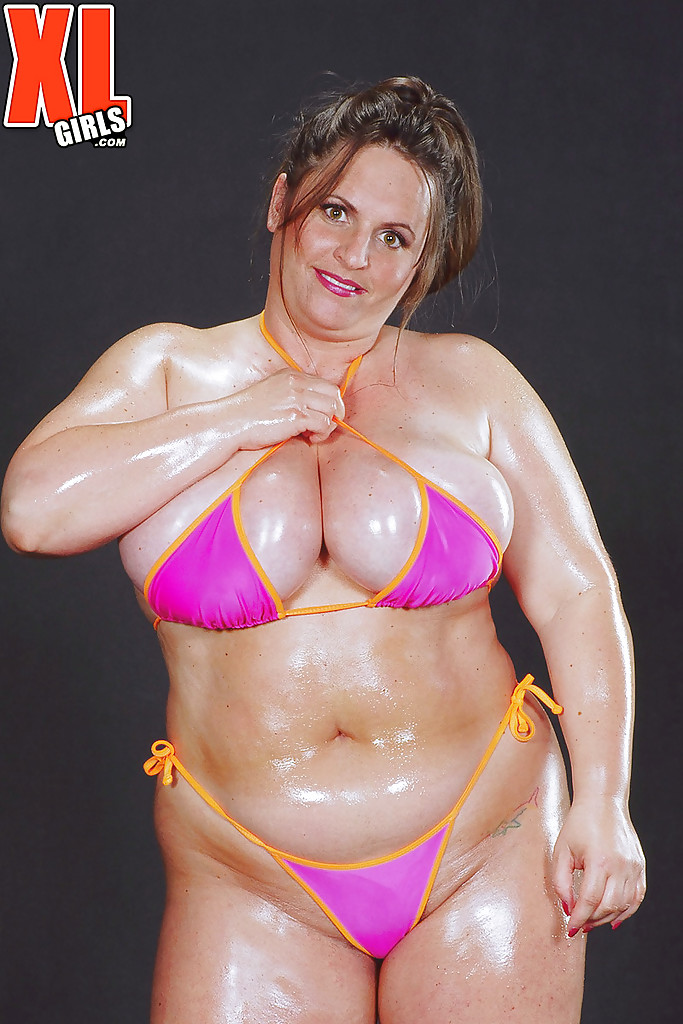 Pictures of fat girls in bikinis