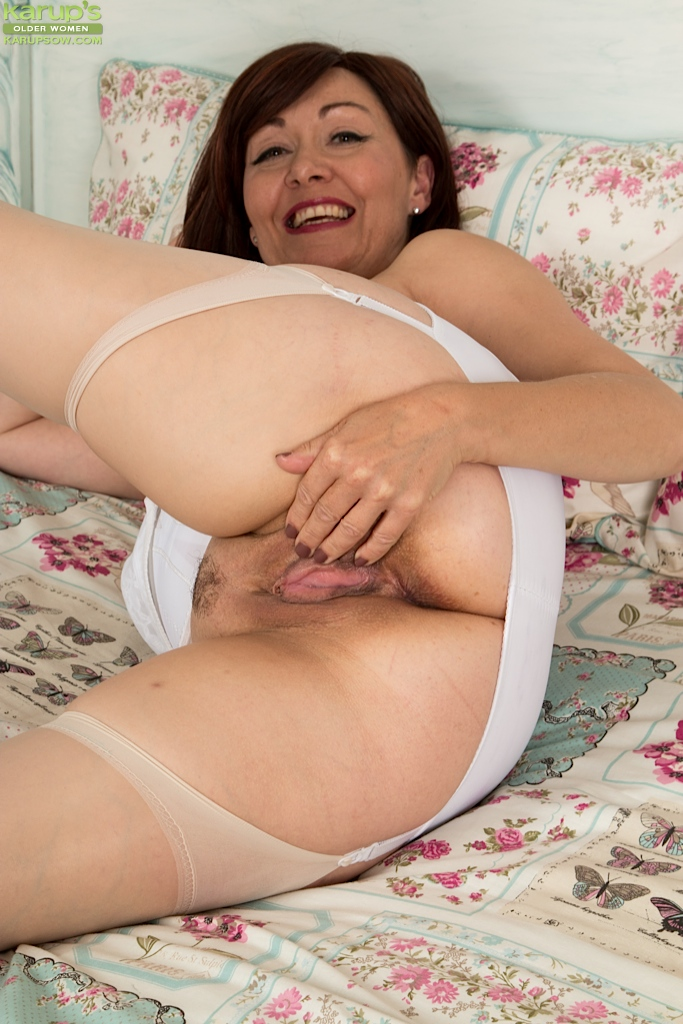 nude latina older women