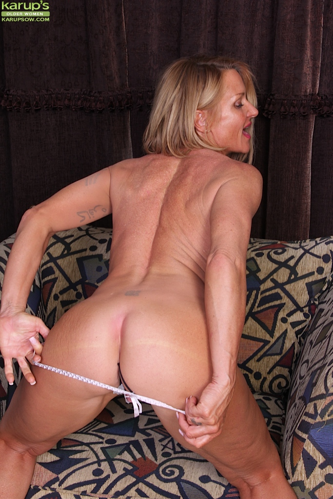 Older pussy and ass
