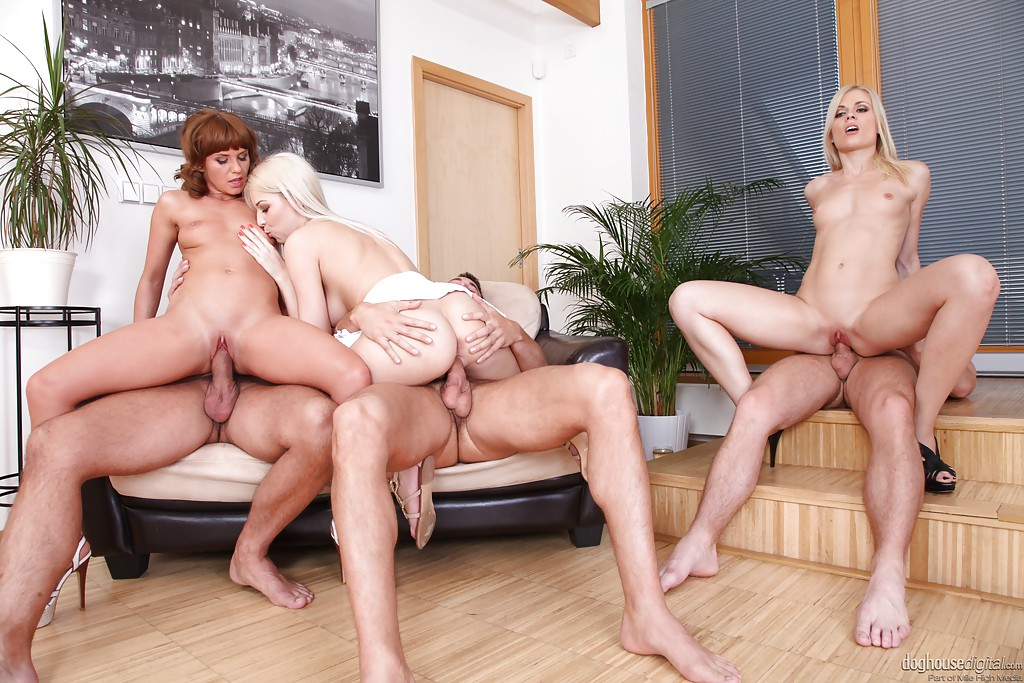 Milf And Teen Foursome Fucking With A Couple Of Hot Blonde Babes