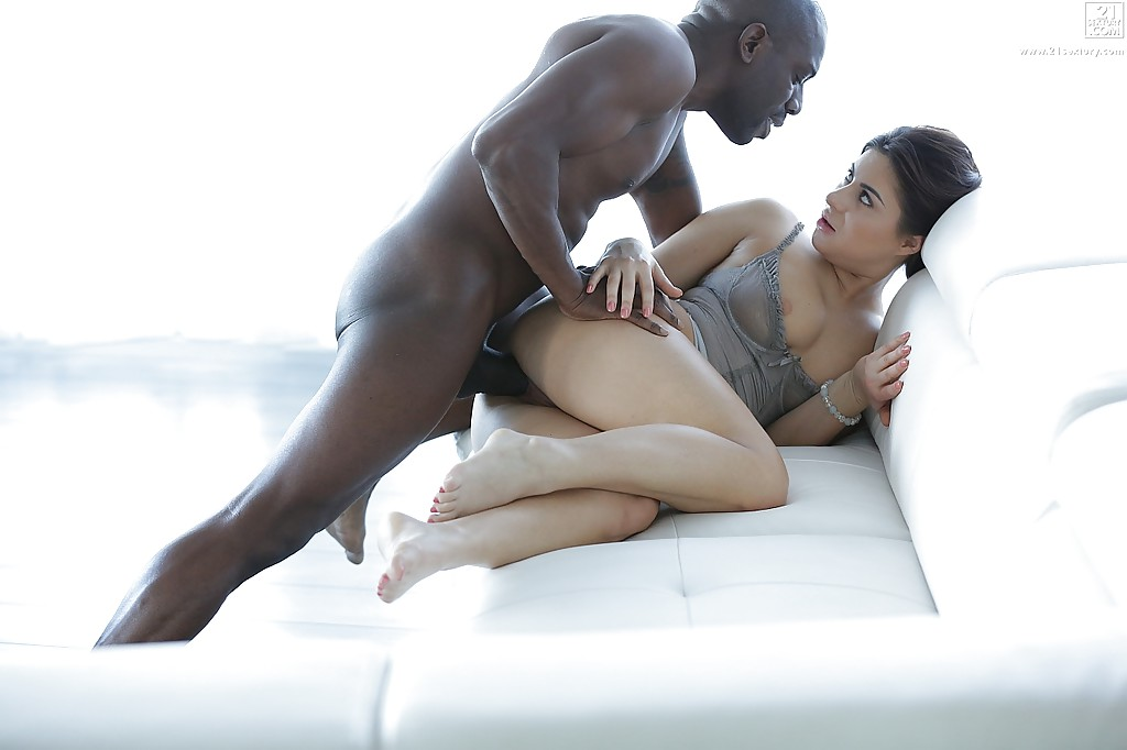 porn-star-friday-interracial-free-sex-vids-the-body