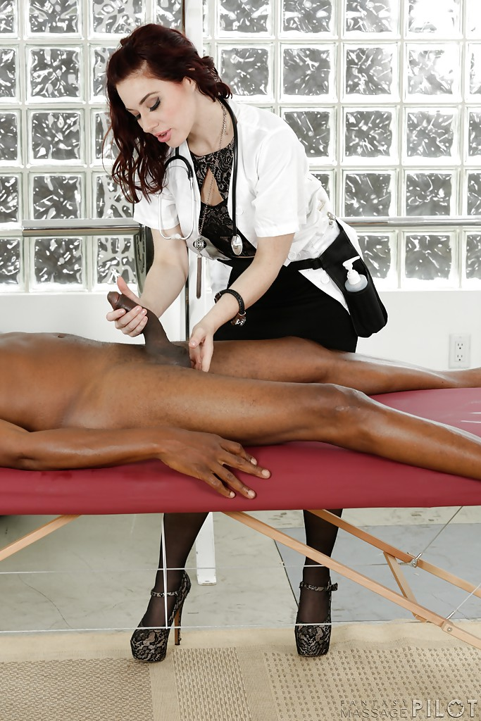 Oily handjob at massage table