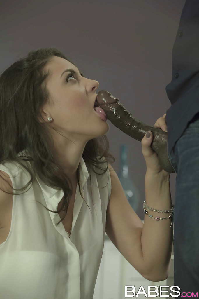 Latina Chick Carolina Abril Delivering Interracial Blowjob For Cum On Face