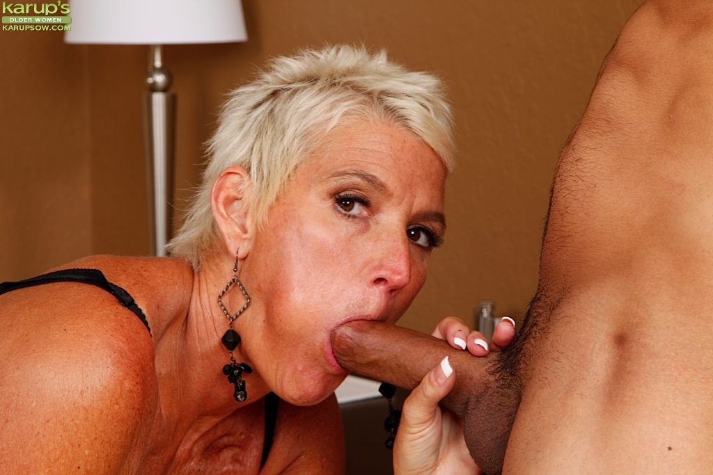 Think, Sexy milf giving blowjob