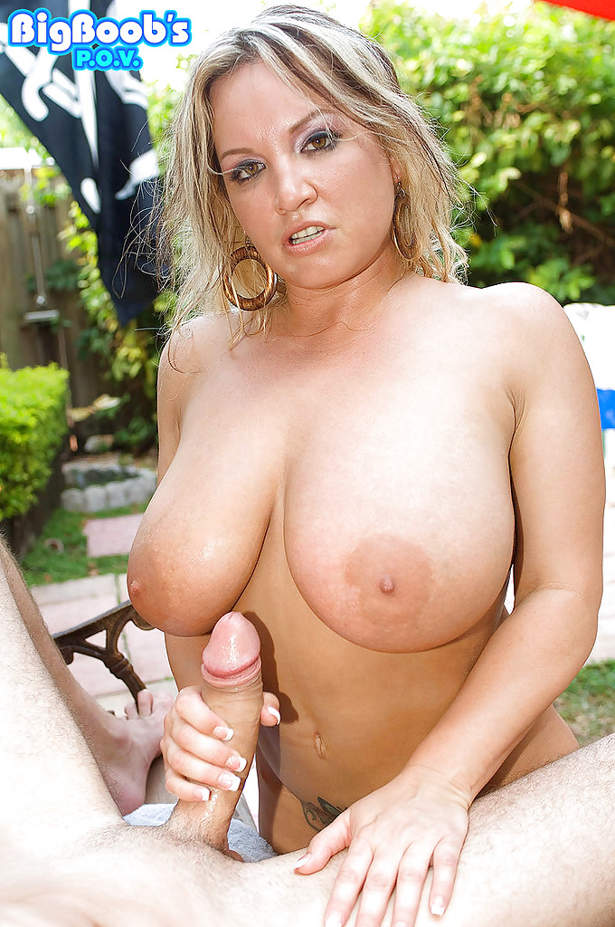 Handjob outdoor woman delivery