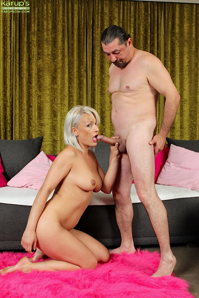 mature-women-blowjobs-on-knees